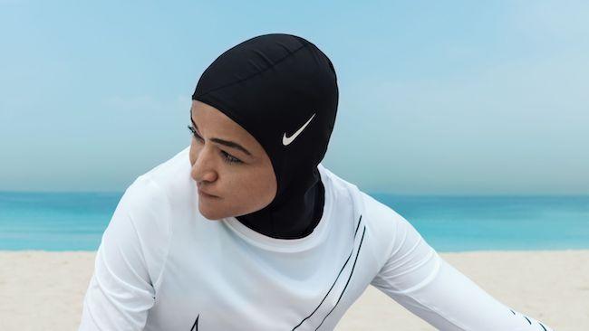 """为穆斯林女性推出首款运动头巾,耐克针对女性巧打""""文化包容""""牌"""