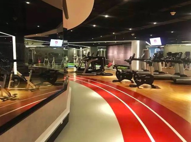 健身也能嗨?这对运动员夫妇把健身房和夜店放在一起开   创业熊