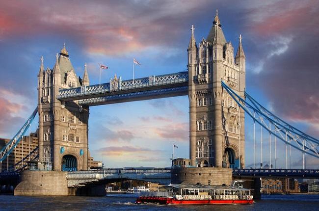 大城市、投资商、私人飞机!资本磁铁正在吸引英国足球重心南移