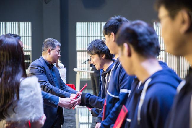 超竞学院的第一批学员毕业了,他们能成为电竞界的黄埔一期吗?   创业熊