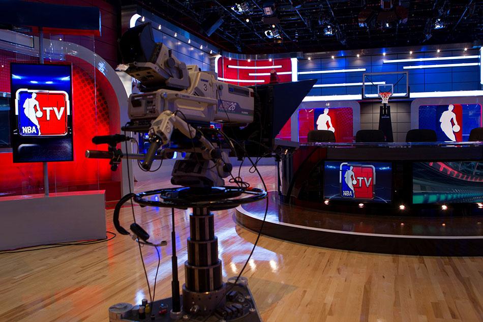 NBA直播被忽略的镜头,NBA赛场仪式蕴含的商业价值(之二)