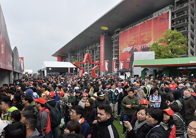 大冷门、嘉年华、安检难,走到第15年的F1中国站有哪些要点