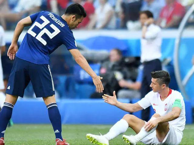 谁制造了日本小组赛的最后10分钟?| B面世界杯