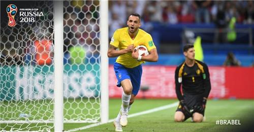 球迷朋友们大家好,欢迎大家收看2018年俄罗斯……欧洲杯! | 世界杯早知道