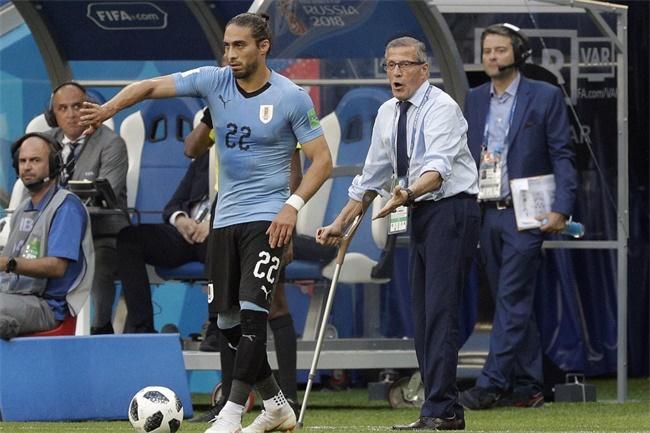"""足球、古典音乐与正派公民:""""大师""""与他的乌拉圭死亡诗社"""
