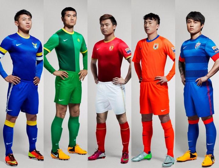中国足球界的球衣这么丑原因在哪,SSIS可能会让球衣变得有趣