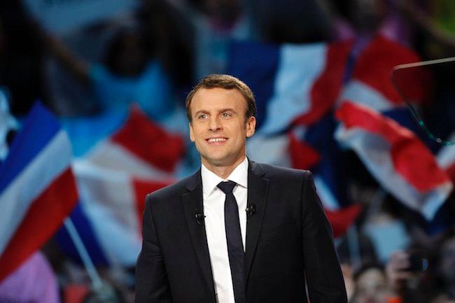 还在关注马克龙的婚姻?我们决定看看这个法国新总统和体育的关系