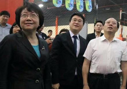 """苟仲文的上海视察为什么挑了洛克公园和美帆?关键词是""""民营体育产业"""""""