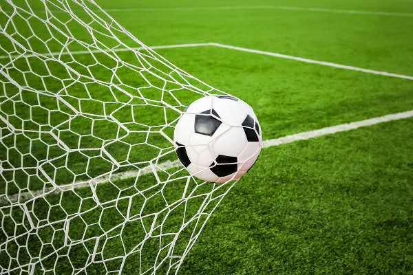 朱芳雨宣布退役将任宏远总经理,国际足联欲改革足球比赛时间 | 懒熊早知道