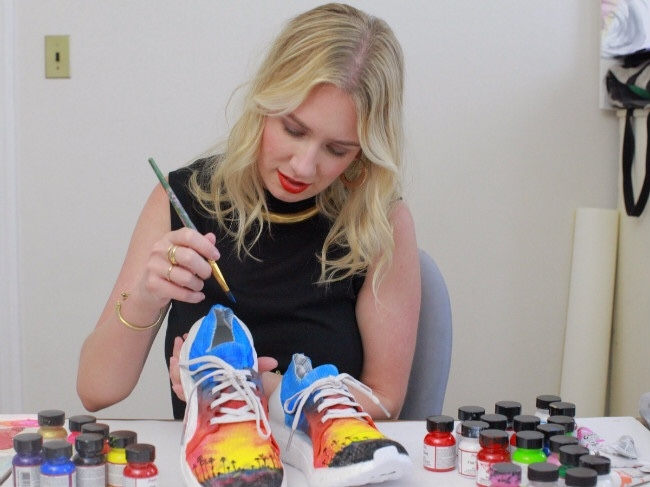 创意营销,阿迪达斯请女性艺术家为美国各州设计运动鞋