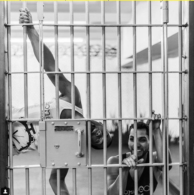 """运动拯救身体和人生,前""""狱友""""在纽约打造监狱主题健身产业"""