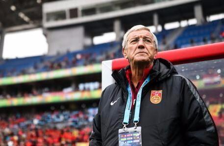 12强赛结束了,里皮带给了我们怎样的启示?中国足球的未来能否多云转晴? | 懒熊早声音