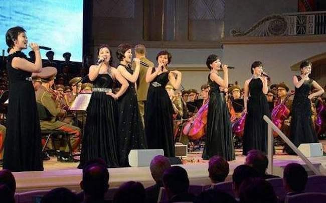 朝鲜派出艺术团体参加韩国平昌冬奥,为助兴奥运还是歌颂领袖?