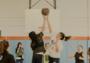"""放弃昂贵的健身课程吧,去篮球场做个""""老派""""健身达人"""