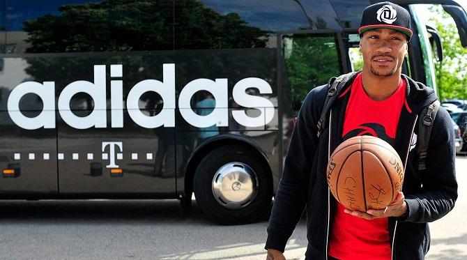 揭秘罗斯与阿迪达斯赞助合同细节:20条注释详解NBA球员的商业价值