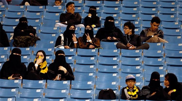 在性别歧视深嵌体育领域的伊朗,国际足联能为女性权益做些什么?
