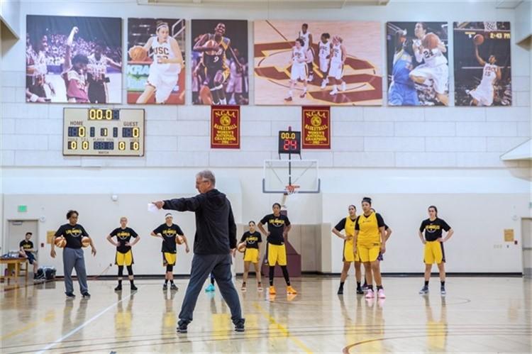 欢迎来到WNBA,你的职业篮球梦也许只能维持一场比赛