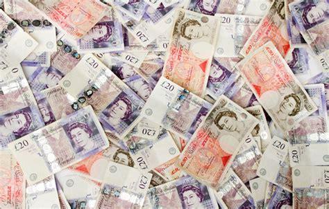 英超六豪门分66亿英镑,光明日报曝吃鸡恐将列入国内监管?   懒熊早知道