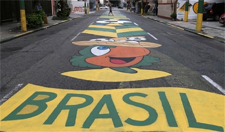 当社会危机持续加剧,世界杯对巴西这个足球王国又意味着什么?