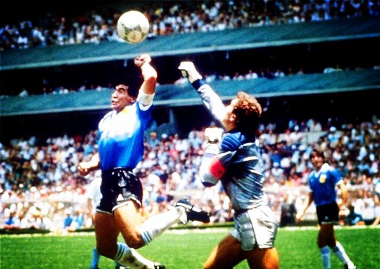 """VAR时代还会出现""""上帝之手""""吗?从文化与技术的视角理解世界杯"""