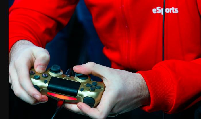 原腾讯团队打造电竞区块链项目Esports Chain登陆FCoin,5月曾登陆BIT-Z交易所