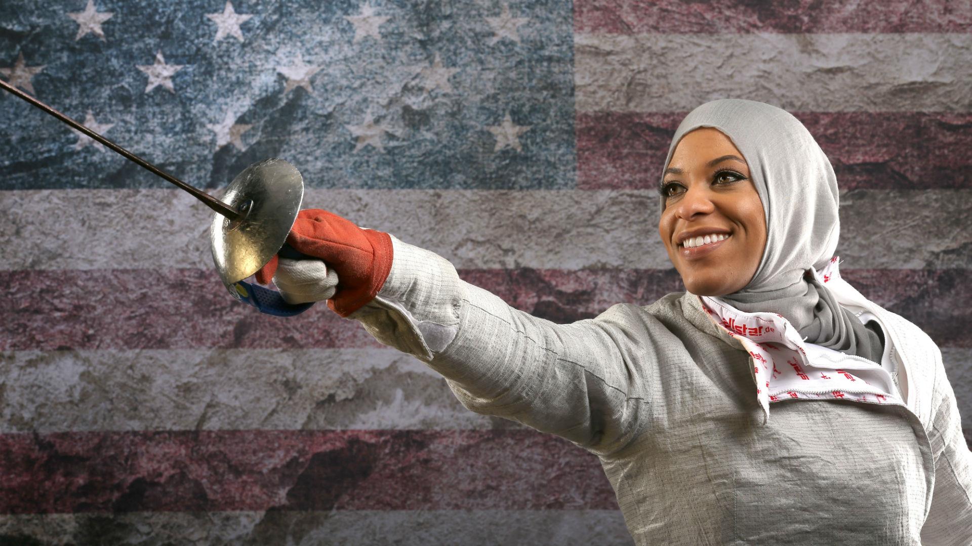 这位创造历史的女子击剑运动员,正在改变人们对于穆斯林女性的看法